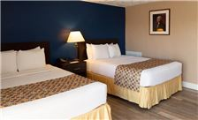 two-bedroom-suite-th-10.jpg