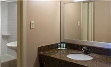 two-bedroom-suite-th-6.jpg