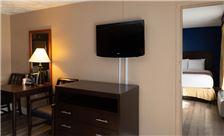 two-bedroom-suite-th-9.jpg