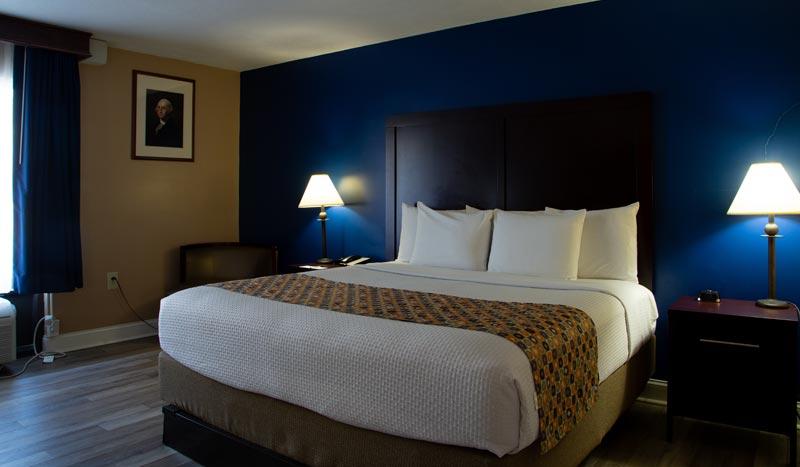 Deluxe King at Hotel Pentagon arlington virginia