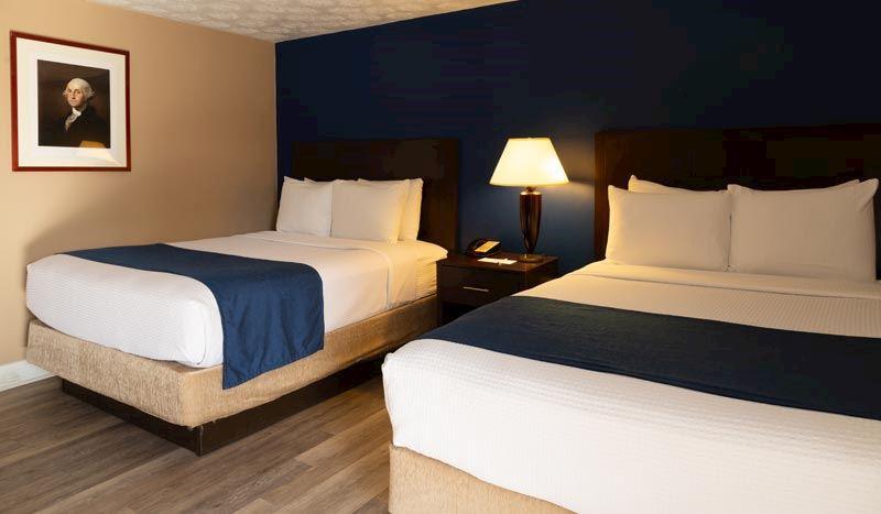 Hotel Pentagon arlington virginia Mobility Accessible - 2 Queen Beds